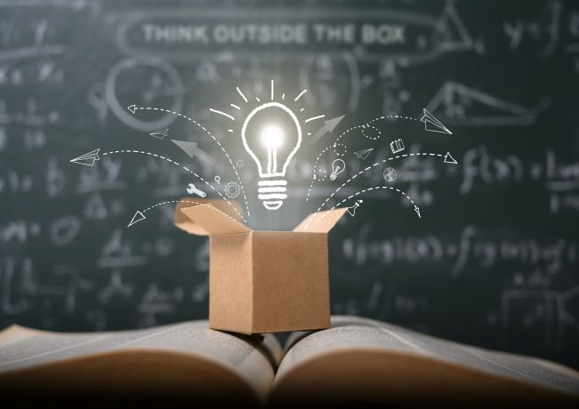 "Image illustrating ""think outside the box"""